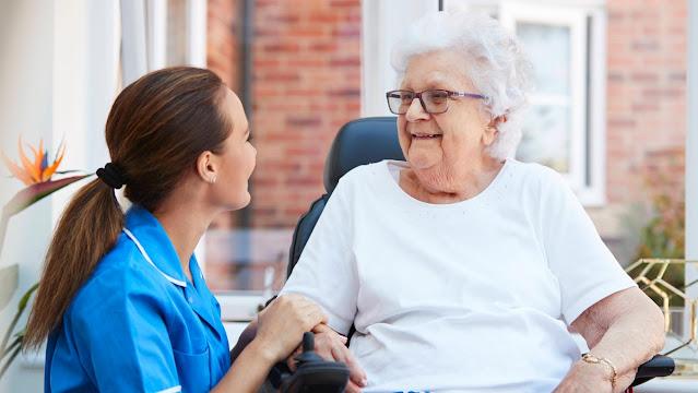 اوسبيلدونغ رعاية المسنين في المانيا راتب حتى 3700 يورو