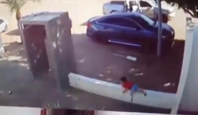 Video: Instinto de supervivencia pequeño de tan solo 3 años huye de ataque de Sicarios; los gatilleros llegaron en San Luis Río Colorado y abrieron fuego