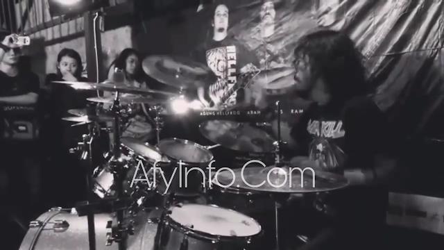 Drummer Burgerkill Andris