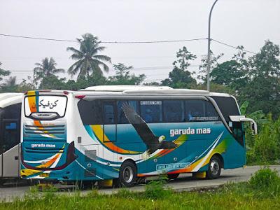 Foto Bus Garuda Mas Samping Kanan Belakang