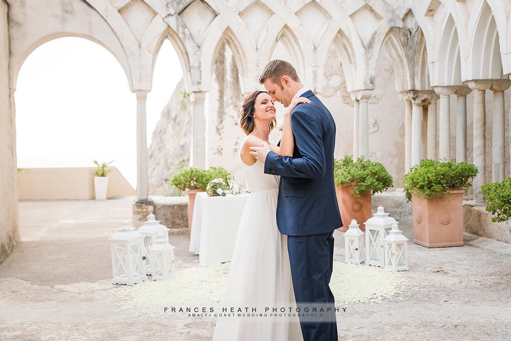 Romantic elopement Hotel Convento Cloisters