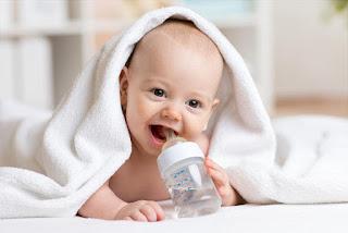 تعرفي على الاكلات المسموحة والممنوعة للطفل الرضيع
