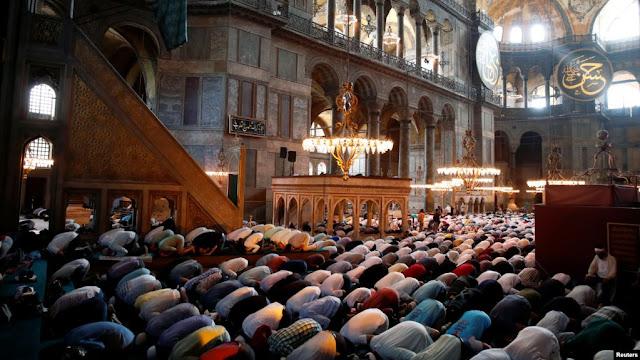 Hagia Sophia Gelar Shalat Jumat, Gereja di Seluruh Negara Ini Bunyikan Lonceng