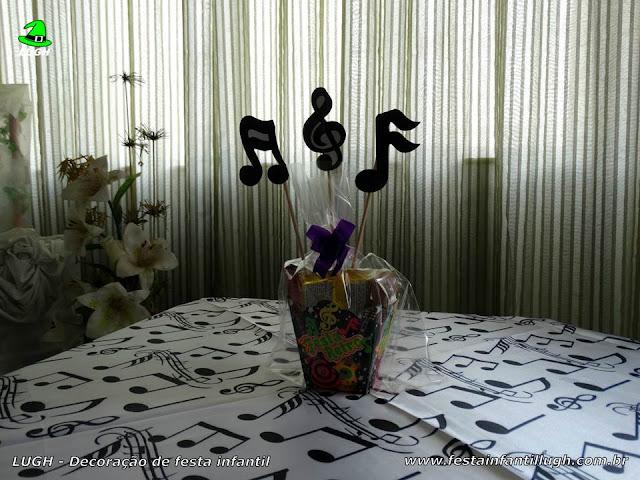 Tema Discoteca - Enfeites e toalhas para a mesa dos convidados