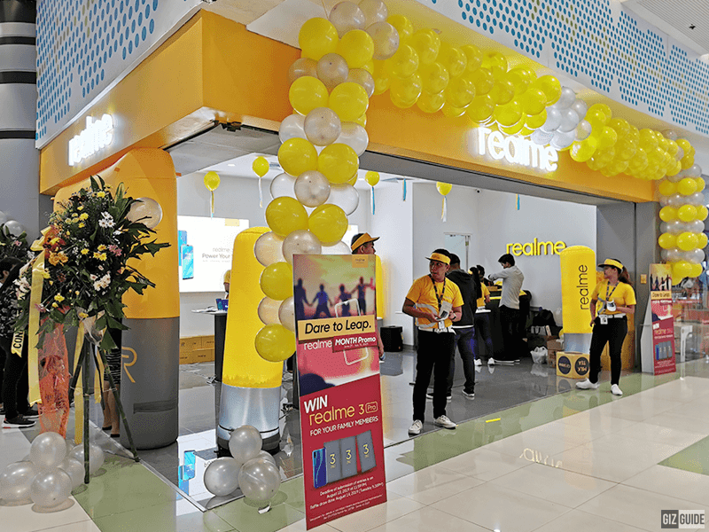Realme opens first concept store in PH, announces Brand Month Campaign with exclusive deals and promos