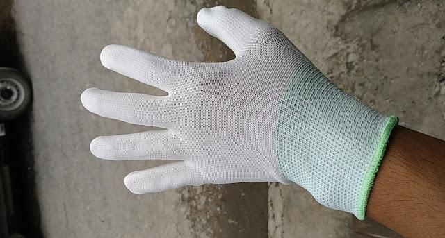 Găng tay PU phủ bàn trắng phần sau