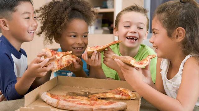 Intoxicação alimentar é problema relatado por 1 em cada 10 pais