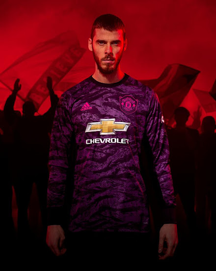huge selection of 2e495 1c8f4 Manchester United 19-20 Goalkeeper Kit Released - Footy ...