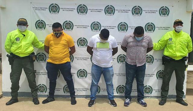 https://www.notasrosas.com/Policía Guajira captura a miembros del Grupo 'Los Ángeles',  en Uribia