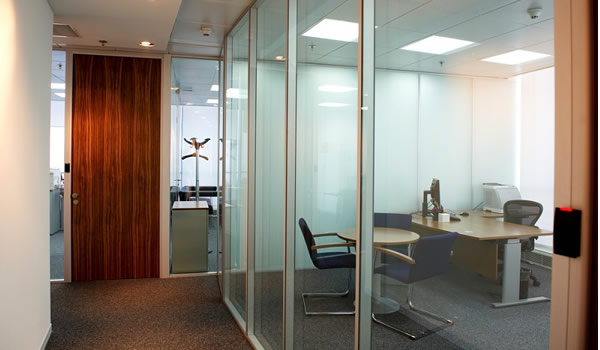 Importance of Office Partitions in the Interior Design