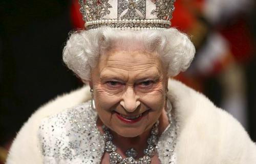 Her Majesty Queen Elizabeth II Survived 2k16 Minecraft Skin