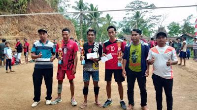 """Team Wonosido, Berhasil Juarai Turnamen Bola Voli """"SOMOGEDE CUP 2019"""""""
