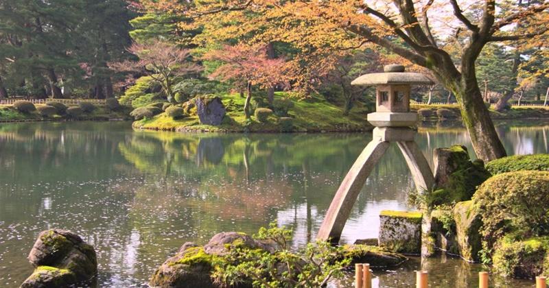 สวนเคนโระคุเอ็น (Kenrokuen Garden)