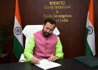 Prakash Javadekar Takes Charge as Heavy Industries and Public Enterprises Minister
