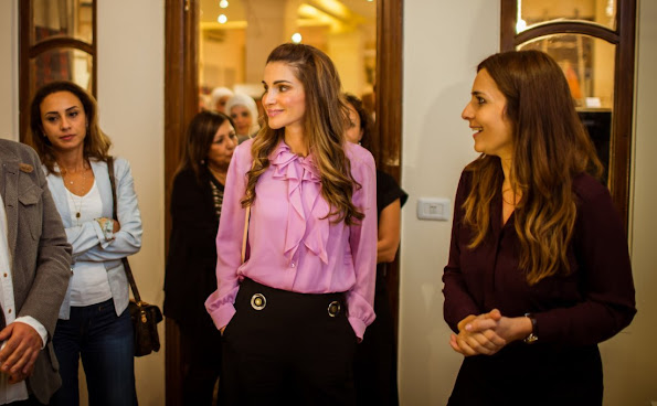 "Queen Rania of Jordan visited the Jordan River Foundation's (JRF) 20th Annual Handicrafts Exhibition titled ""Heritage"
