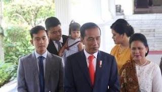 Pak Jokowi, Posko Pemenangan Gibran Bikin di Istana Saja