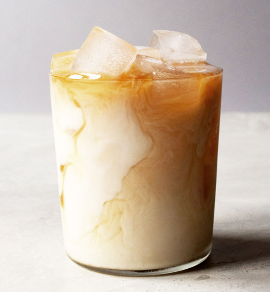 How to Make the Best Iced Chai Latte #milktea #drink #latte #iceream #party