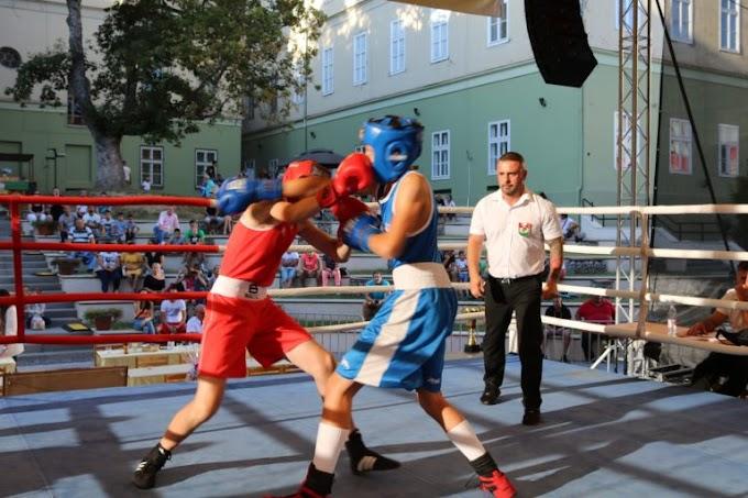 Tíz éve emlékeznek meg szabadtéri ökölvívóversennyel a magyar bokszbarátról