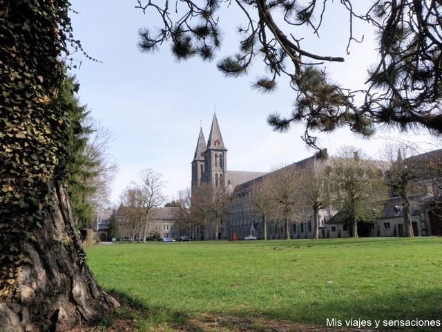 Abadía de Maredsous, Valonia, Bélgica