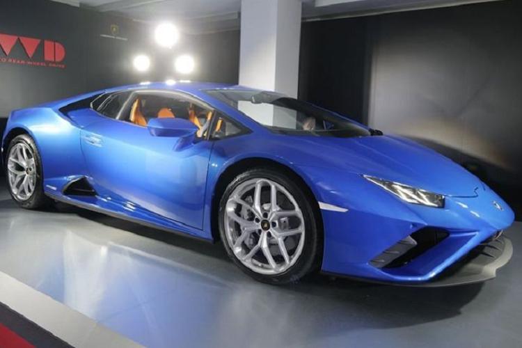 Lamborghini Huracan EVO RWD tại Hồng Kông rẻ hơn Thái 3 tỷ đồng