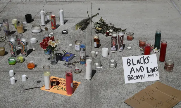 Young unarmed man 22 who was on his knees with his hands up killed by California police
