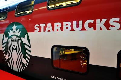 Starbucks-Sbb-Wagon-Aussen