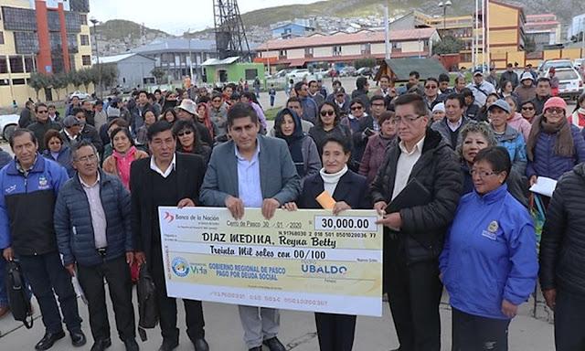 Docentes de la región Pasco cobran deuda social