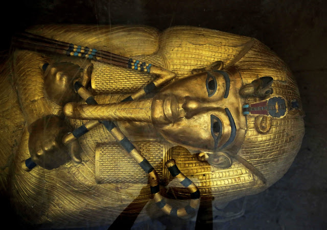 Tutankhamun golden coffin under restoration for the first time since 1922