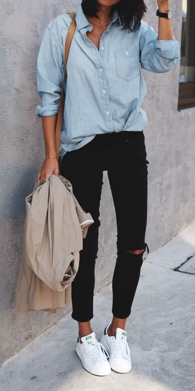 26 Charming Fall Outfits for College Girls. All Casual Fall Wear Every Girl Who Goes to College Will Love. High School Fashion +Teen Outfits via higiggle.com | black jeans outfits | #falloutfits #college #teenoutfits