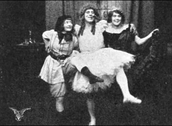 Sydney Drew femulating in the 1914 film Never Again.