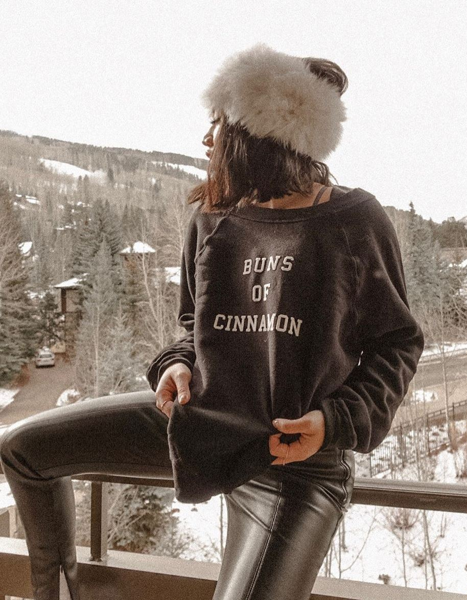 ootd_sweatshirt + fur hat + leather leggings