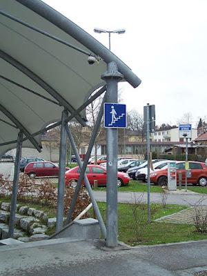Videokamera Bahnhof Traunstein Westausgang
