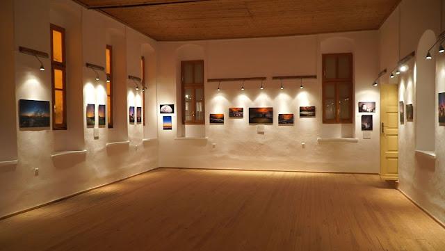 """Με επιτυχία τα εγκαίνια της έκθεσης φωτογραφίας """"Μνημεία Αστρόφωτα"""" στο Πλαίσιο Θεσπρωτίας (ΦΩΤΟ+ΒΙΝΤΕΟ)"""