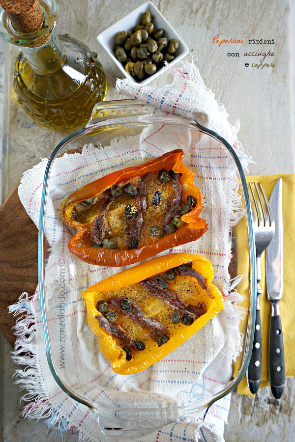 Peperoni ripieni ricetta facile leggera e gustosa con acciughe, capperi e pangrattato - stuffed peppers, light recipe