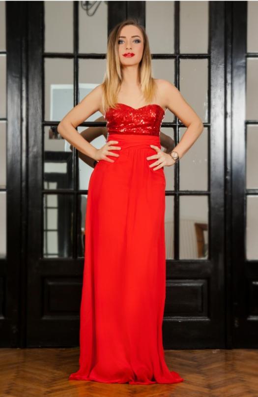 rochie superba eleganta de ocazie partea superioara alcatuita din paiete spatele este decupat