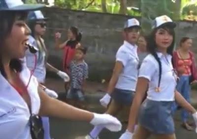 Regu Gerak Jalan SMAN Wargas Buleleng Tampil dengan Seragam Seksi dan Rok Mini Viral Dunia Maya