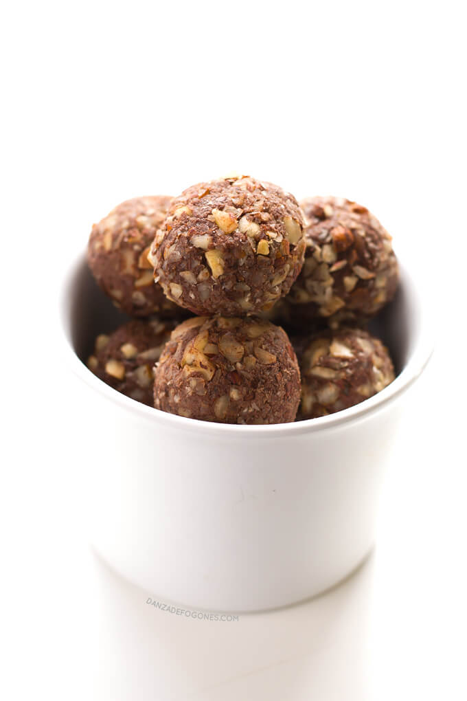 Chocolate and hazelnut truffles   danceofstoves.com #DanceofStoves #recipe #vegan #withoutgluten