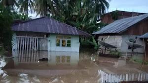 Hujan lebat, Banjir bandang melanda sejumlah desa di tiga kecamatan