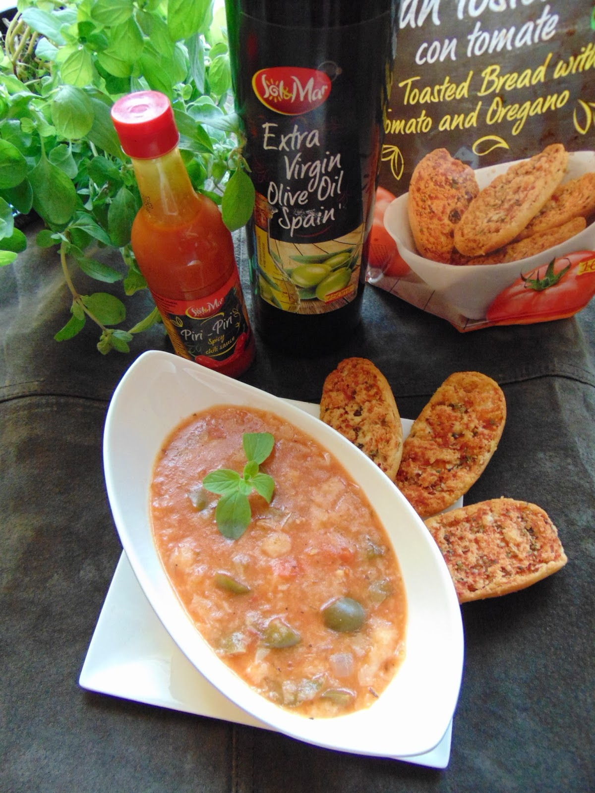 Hiszpańska Zupa Pomidorowa Z Grzankami Radość Kipiąca