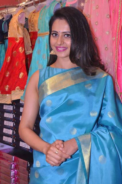 Rakul Preet Singh Stills At South India Shopping Mall Opening