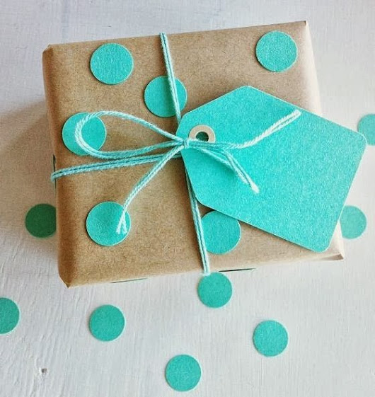 Brown Paper Packages: 10+ Easy and Cute DIY gift wrapping!  | Beauty Crumbs by Eleanora Retif