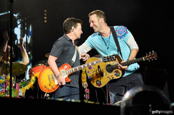 Video: Michael J. Fox y Coldplay - 'Volver al Futuro'