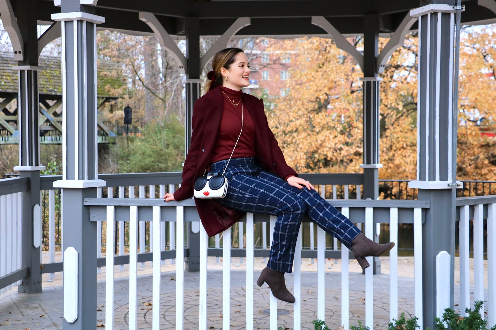 Nyc fashion blogger Kathleen Harper wearing a polished outfit idea.