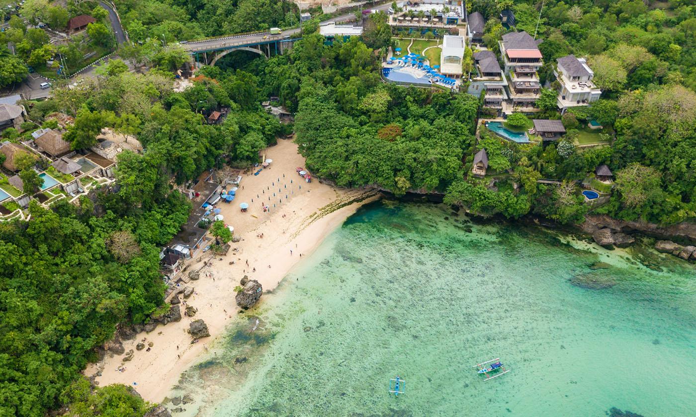 Пляж Паданг Паданг на Бали в Индонезии