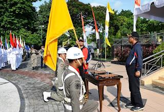Penyerahan Bendera Pataka HUT NTB Ke Pemprov