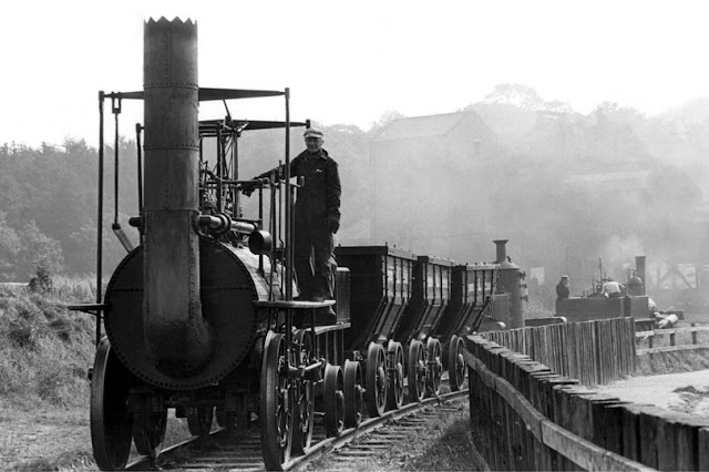 lokomotif tenaga uap