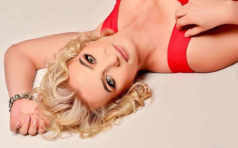 LaylaBlair Model GlamourCams