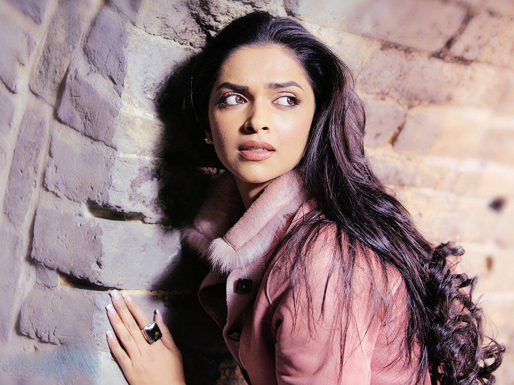 Nude Photos Of Deepika