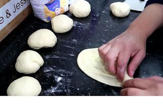 بريوش ملوي و مورق بطريقة تحضير جد سهلة لمطبخ ام وليد