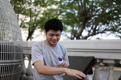 Gunakan sunscreen saat di luar ruangan Gunakan sunscreen saat di luar ruangan untuk Memutihkan Wajah Bagi Kaum Pria Dalam Waktu Yang Cepat
